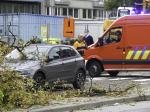 BELGIQUE - UNE BRANCHE D'ARBRE TOMBE SUR TROIS VEHICULES - A TREE BRANCH FALLS ON THREE VEHICLES